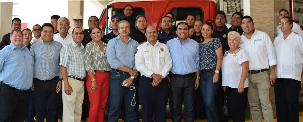 Podrían bomberos acceder a recursos federales, al formar parte de Ayuntamiento